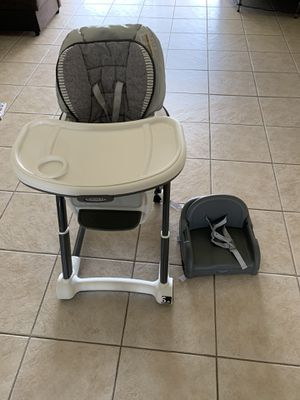 Graco highchair 6 in 1 with a new buster for Sale in Kissimmee, FL