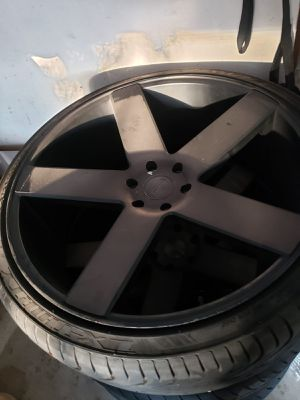 """Dubs 26"""" rims for Sale in Fontana, CA"""