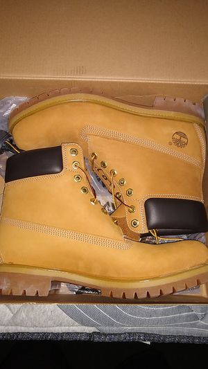 Premium Timberlands Wheat Size 11 for Sale in Los Angeles, CA