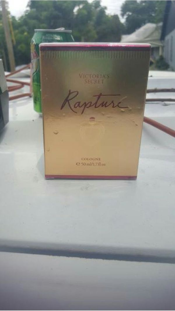 Victoria Secret Rapture perfume