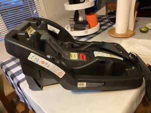 Graco infant car seat base for Sale in Hayward, CA