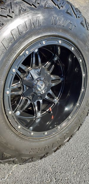 18x12 tires 35 12.50 18 6 lugs universal for Sale in Dallas, TX