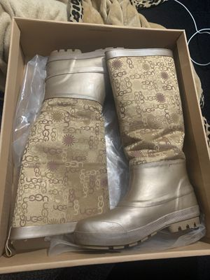 UGG Rain boots for Sale in Hawthorne, CA