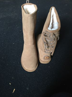 Bear paw phylly suede laced back boot, size 7 for Sale in Vanceboro, NC