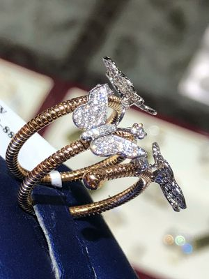 18k Gold tripple 🦋 🦋 🦋 Ring for Sale in Los Angeles, CA