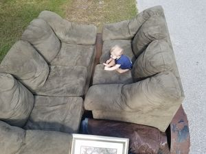 Klaussner couch and love seat for Sale in PT CHARLOTTE, FL