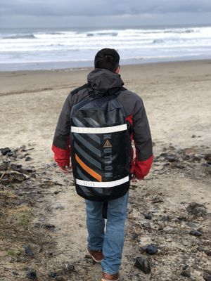 Top rated dry bag with life warranty $100off for Sale in Seattle, WA