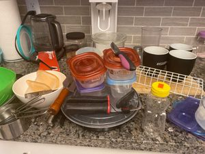 Kitchen stuff and glass cups for Sale in Las Vegas, NV