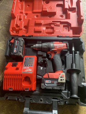 Milwaukee m18 set fuel hammer drill with 2 5.0 batteries and charger for Sale in Downers Grove, IL