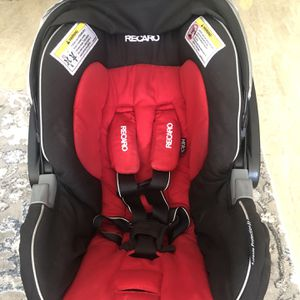 Baby Car Seat Recaro and Base - 1 WEEK OF USE for Sale in Pompano Beach, FL
