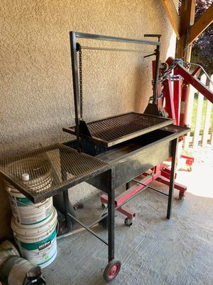BBQ Grill for Sale in Corcoran, CA
