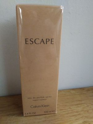 Perfume de mujer Escape de Calvin Klein for Sale in Reedley, CA