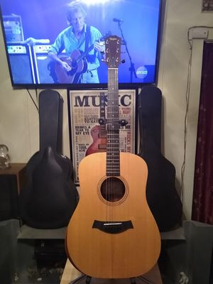 Taylor Acoustic Guitar. for Sale in Los Angeles, CA