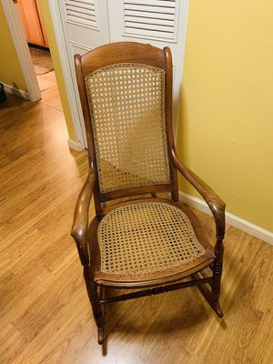 Antique rocking chair for Sale in Scottsdale, AZ
