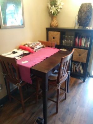 breakfast table with 3 chairs for Sale in Las Vegas, NV