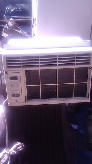 AC unit 30 dollars ice cold air for Sale in Phoenix, AZ