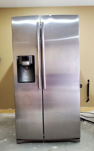 Samsung Refrigerator for Sale in Pomona, CA