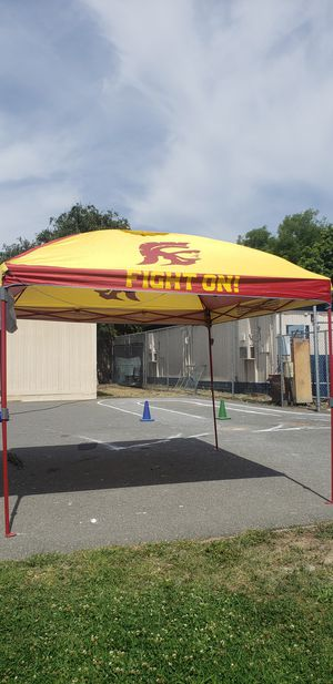 Like New USC Trojans Coleman Canopy. Firm price. for Sale in Montebello, CA