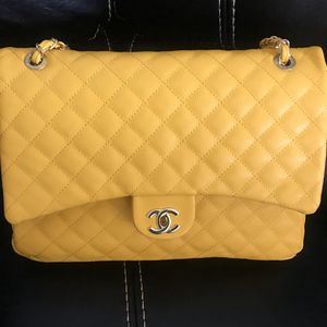 Channel Purse for Sale in Ruskin, FL