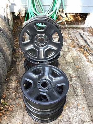 17 in Jeep Gladiator wheels for Sale in Tampa, FL