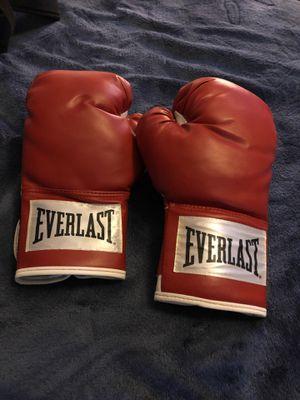 Everlast boxing gloves for Sale in Fresno, CA