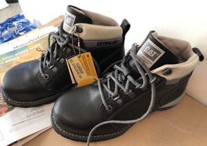 New Caterpillar steel toe boots size 7 for Sale in Benson, NC