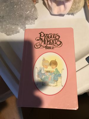 Vintage precious moments bible Perfect condition for Sale in Shawnee, KS