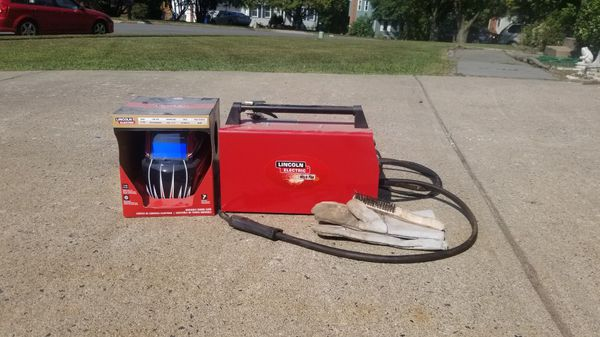 Regular outlet welder with helmet rent