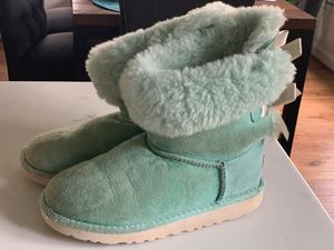 Uggs boots, girl size 1 for Sale in Raleigh, NC