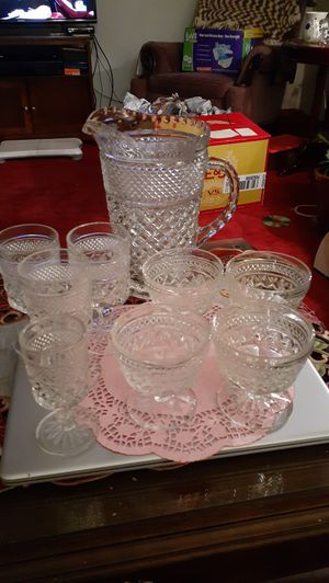 9 piece Depression glass Wexford design for Sale in Kingsley, PA