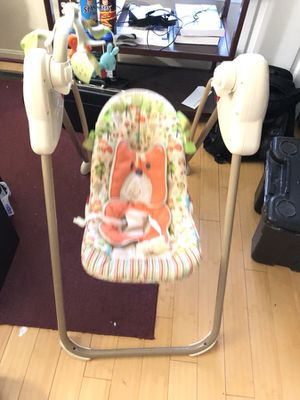 Baby swing chair with music for Sale in Alexandria, VA