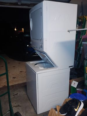Washer and dryer combo 27'' electric for Sale in Miami, FL