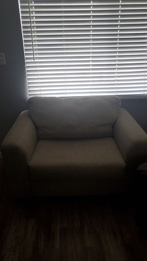 Couch chair for Sale in Columbus, OH