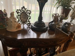 Broyhill coffee table and console table for Sale in MERRIONETT PK, IL
