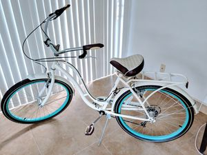 "26"" Schwinn Fairhaven 7 speed cruiser bike for Sale in Fort Lauderdale, FL"