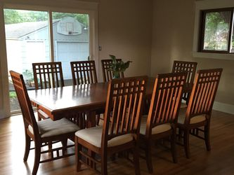 6 or 8 Person Dining Kitchen Table, Solid Oak Mission Style for Sale in South Pasadena,  CA