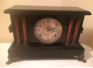 Antique Ingraham Mantle Gong Deco Clock for Sale in Lexington, SC