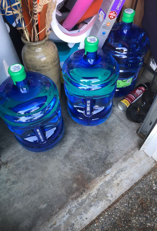 5 gallon of water