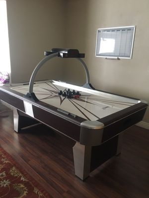 Aeromaxx air hockey table. Retails for 997. on Amazon. We're moving and don't have room to bring it. for Sale in Draper, UT