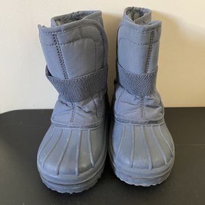 Toddler Snow Boots for Sale in Lakewood, CA