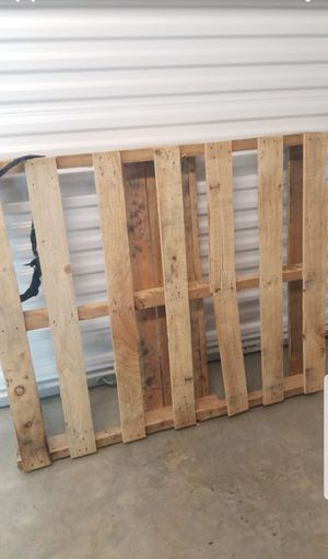 Free Pallet in Hollywood & Dixie for Sale in Pembroke Pines, FL