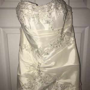 Alfred Angelo Fairytale Collection (Ariel), Ivory, Size 6 for Sale in Woodbridge, VA