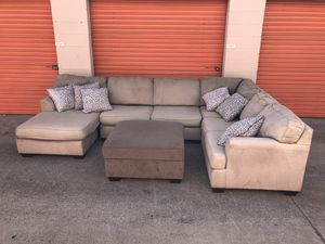 Grey Sectional Couch w/storage ottoman -I can deliver for Sale in San Diego, CA