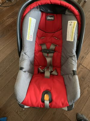 Very nice Chicco car seat and base for Sale in Delta, CO