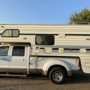 Lance Camper for Sale in Fresno, CA