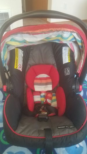 Fisher price jumping swing & car seat for new born without base for Sale in Kent, WA