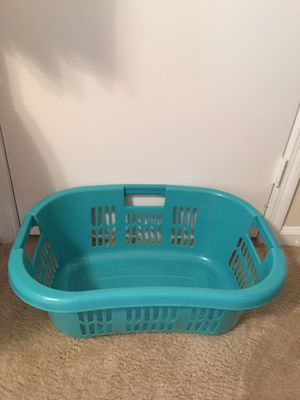Laundry basket $5 , Rubbermaid storage$5 , 2-13 gallon trash cans $5 No lids for Sale in Tallahassee, FL
