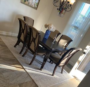 Ashley's table and chairs for Sale in Gulf Breeze, FL