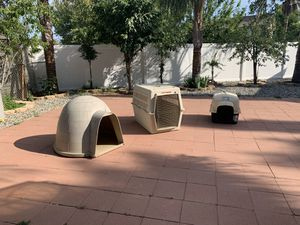 Dog crates/home for Sale in Banning, CA