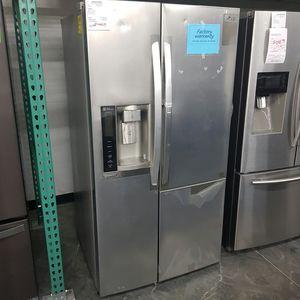 New LG Refrigerator Two Door Show Case for Sale in Hacienda Heights, CA